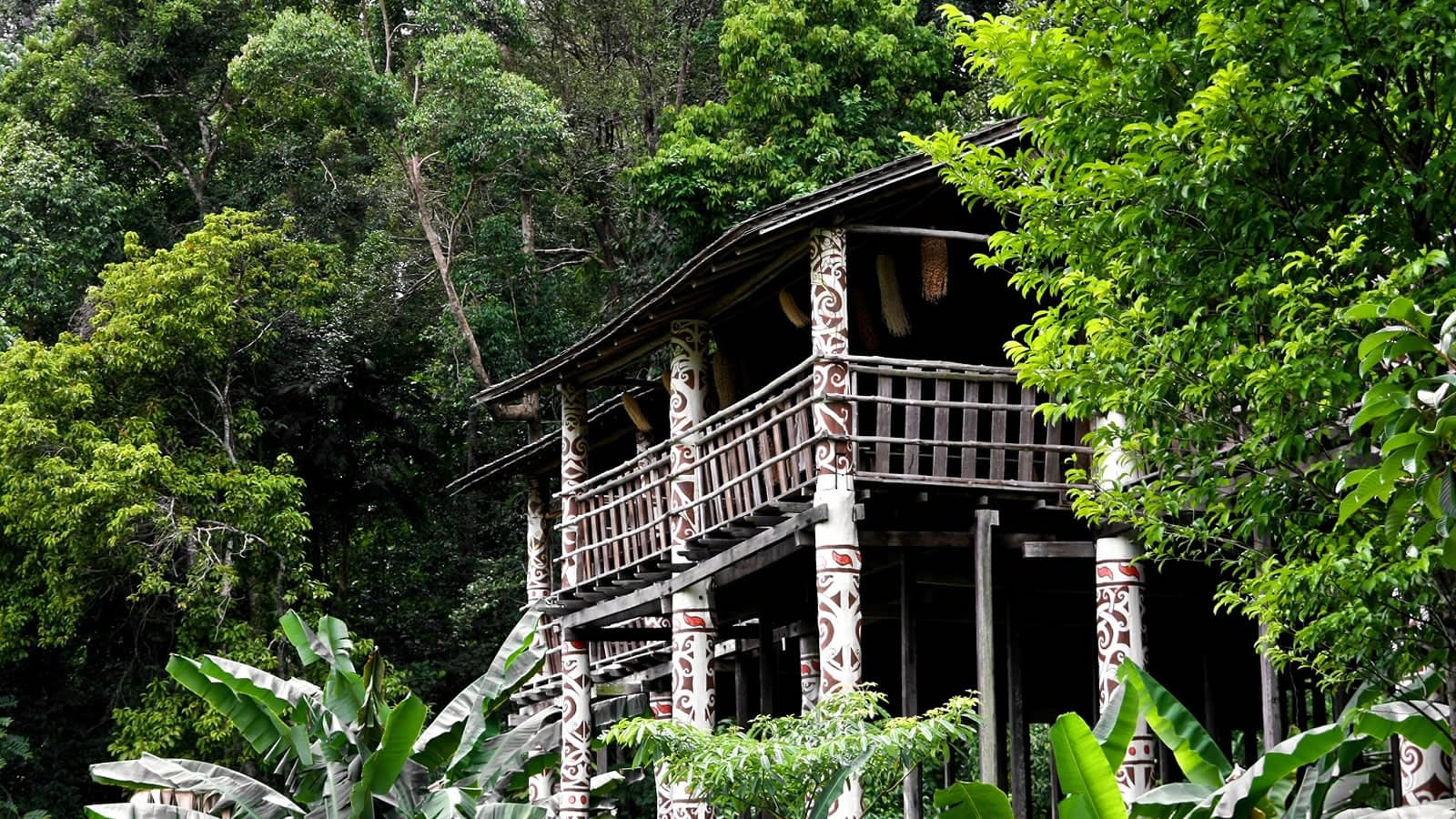 authentic-trails-iban-house-malaysia
